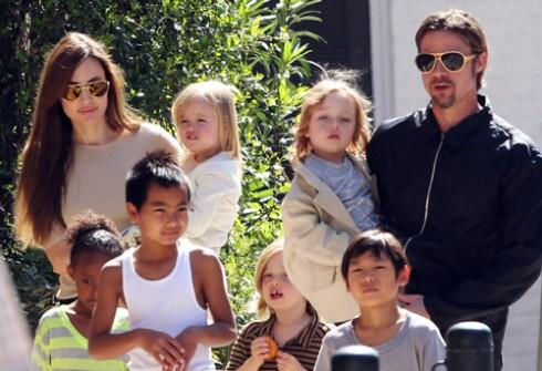 Sự gắn kết của gia đình của Angelina Jolie và Brad Pitt