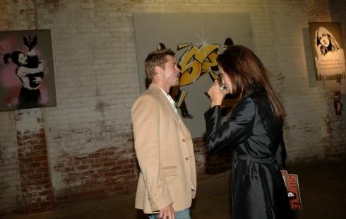 Angelian Jolie và Brad Pitt là một trong những nhà sưu tập tác phẩm của Banksy