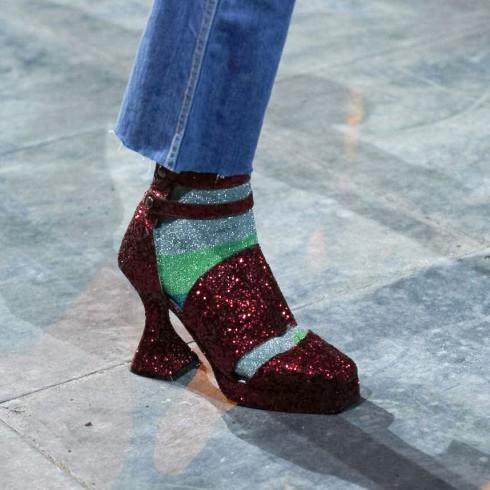 Giày cao gót nữ tính hay giày statement nổi bật đều là những điều có thể.