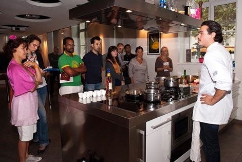Các đầu bếp của Hiệp hội Village de Chefs sẽ có buổi giao lưu tại trường dạy nghề Hoa Sữa.