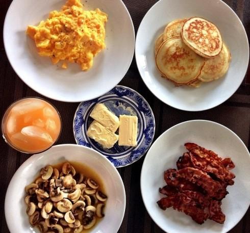 Bữa ăn sáng do Tăng Thanh Hà chuẩn bị thật chu đáo cho chồng mình