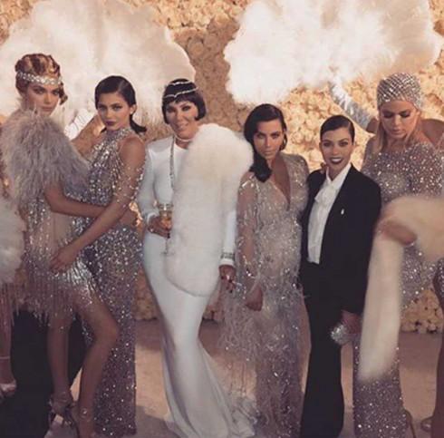 Kris Jenner và năm cô con gái