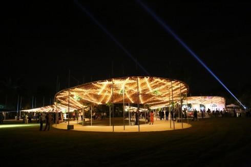 Trong không gian mở đầy sáng tạo, khách mời đã được thưởng thức bữa tiệc của ánh sáng và âm thanh giao hòa.
