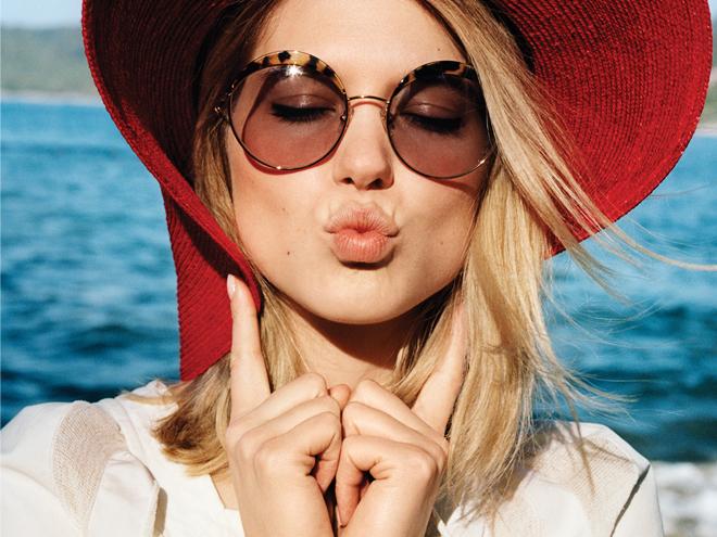 Phối đồ đẹp với 5 kiểu mắt kính mát