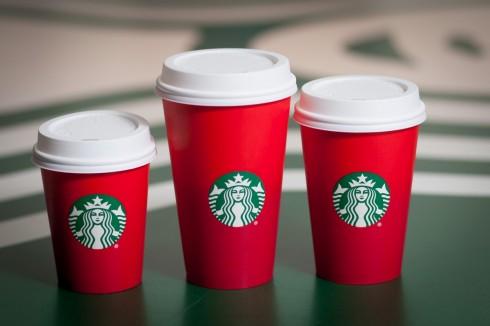 Thiết kế ly Starbucks với chủ đề Noel gây tranh cãi