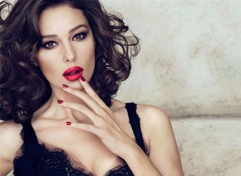 Phụ nữ ở độ tuổi 30 có những sức hút và cách nhìn chín chắn riêng về cuộc sống.