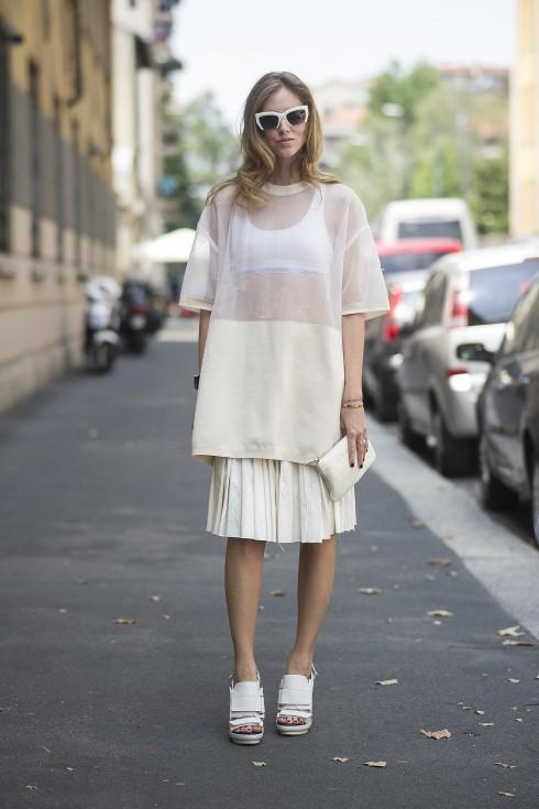 Bạn hãy chú ý đến màu sắc và độ dài của quần áo để áo lót và trang phục của bạn có tính hỗ trợ lẫn nhau.