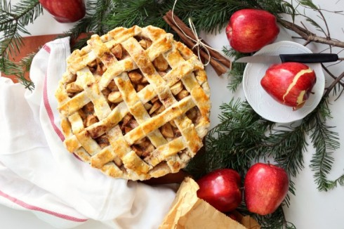 Người Mỹ thường tráng miệng bằng món bánh táo truyền thống.