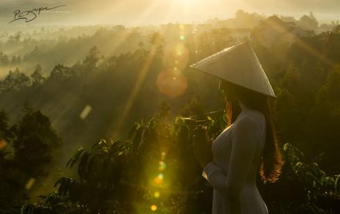 Visions of Vietnam (Vẻ đẹp thiếu nữ)
