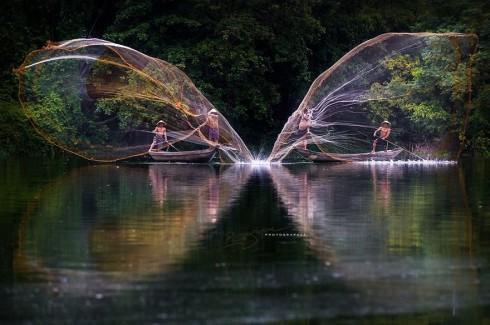 Double Vision Fishing (Thả lưới đánh cá)