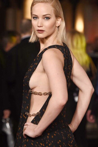 Jennifer Lawrence trong tour ra mắt phim The Hunger Games