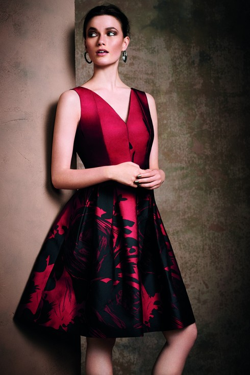 Hãy đến và trải nghiệm các sản phẩm của Coast, bạn sẽ khám phá được vẻ đẹp quyến rũ của mình qua những bộ trang phục cực kỳ sang trọng và hợp thời trang