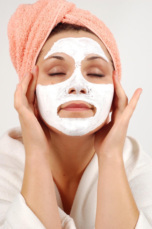 Sử dụng mặt nạ không nên để quá lâu. Ngoài ra, bạn có biết rằng bây giờ các quý cô sành điệu sẽ sử dụng riêng từng mặt nạ cho từng vùng khác nhau chưa?
