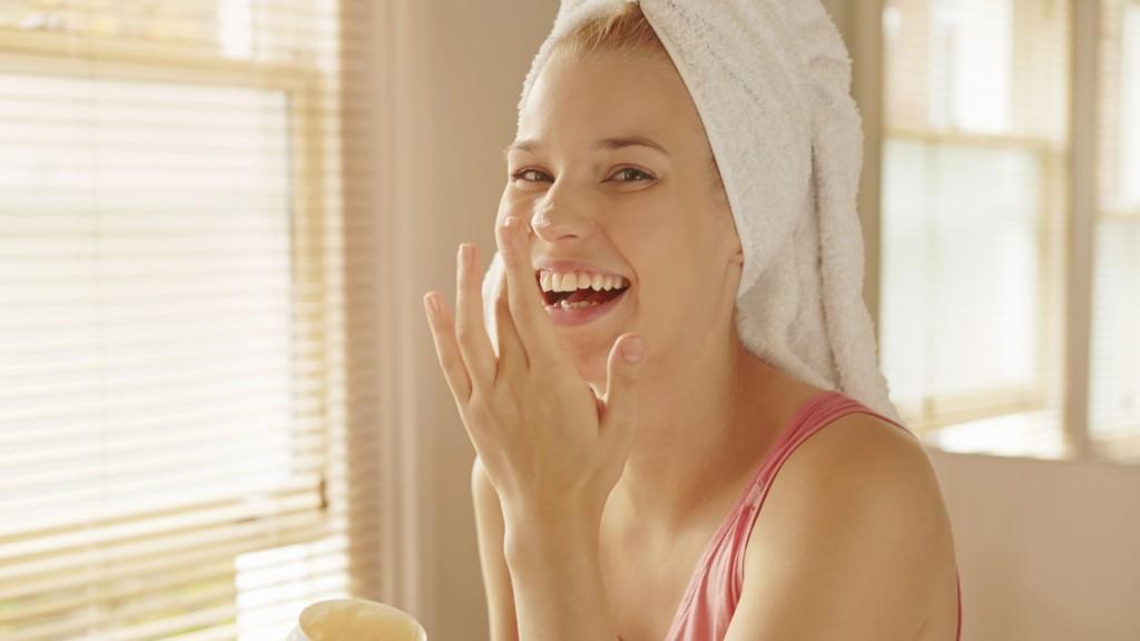 Làn da của bạn không hề cố định mà còn phụ thuộc vào yếu tố thời tiết, nội tiết tố và cả quy trình dưỡng da hằng ngày của bạn