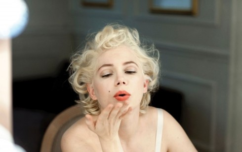 Ở Michelle Williams có một tố chất gì đó, tương đối ngây thơ, ngọt ngào như Marilyn Monroe.