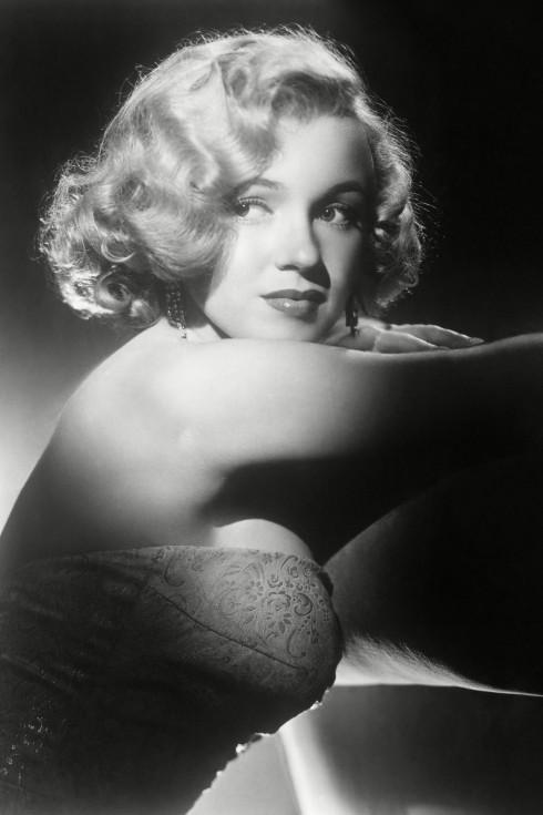 """Bộ phim """"My Week With Marilyn"""" tiếp cận một mặt khác của Monroe: Ngọt ngào nhưng rất dễ tổn thương."""