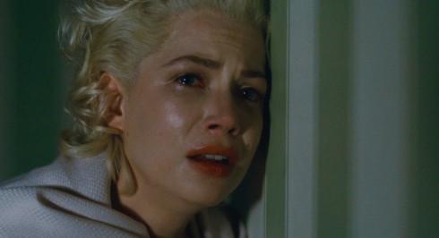 Marilyn trong phim là một cô gái u buồn.