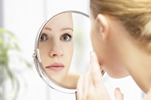 Khi lựa chọn phương pháp tẩy tế bào chết hóa học, bạn phải ghi nhớ luôn giữ ẩm cho da tốt nhất