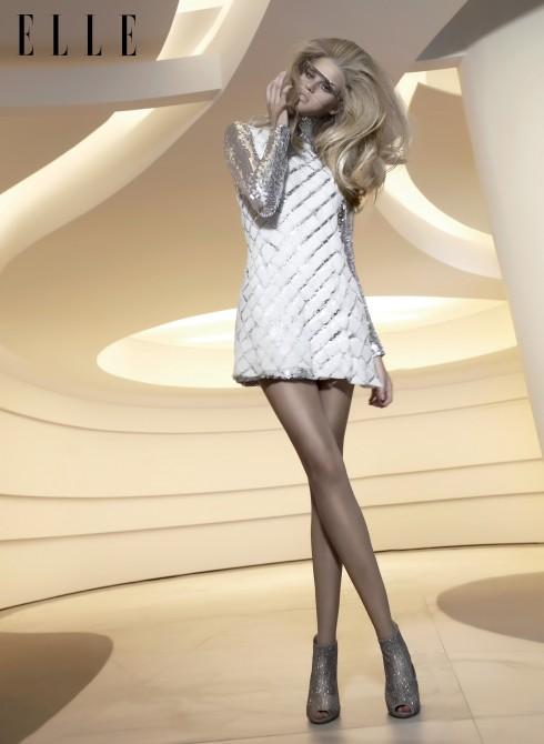 Áo sequin và đầm Dior, Mắt kính Courreges, Giày bốt Lola Cruz