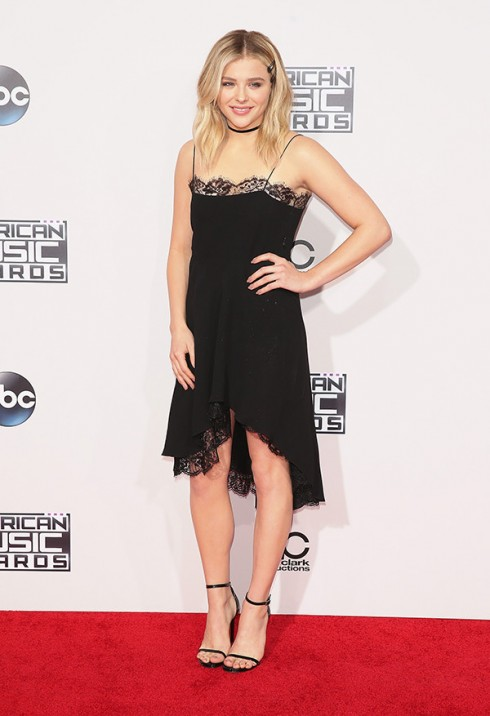 chloe-grace-moretz-amas-2015-american-music-awards