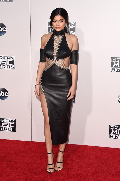 kylie-jenner-amas-2015-american-music-awards1