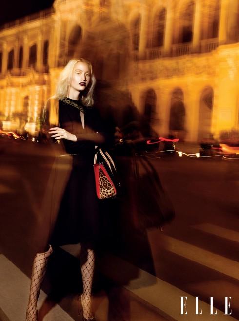 Đầm Versace, Túi xách, Giày Christian Louboutin