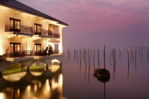Tận hưởng kỳ nghỉ thú vị tại khách sạn có tầm nhìn đẹp nhất Hà Nội.