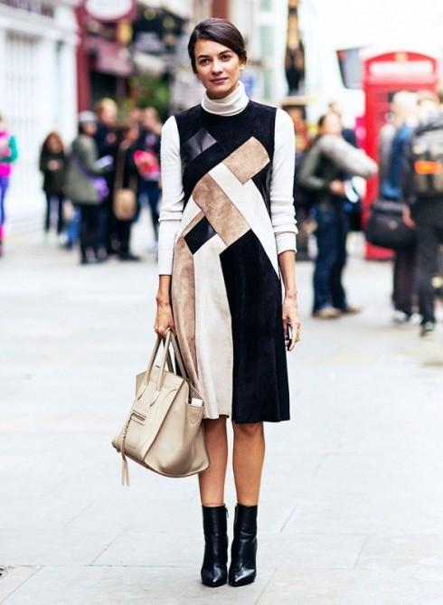 Điều bạn không cần bận tâm đến là độ dài của đầm, mà là hình dáng đường cổ áo của đầm.