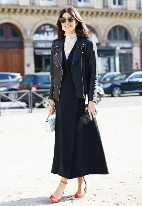 Đầm không tay và áo cổ lọ là cách phối đồ quen thuộc của nhiều fashionista. Chẳng hạn như Leandra Medine của The Sartorialist.
