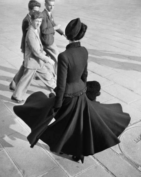 Renée ở quảng trường Concorde (08/1947)