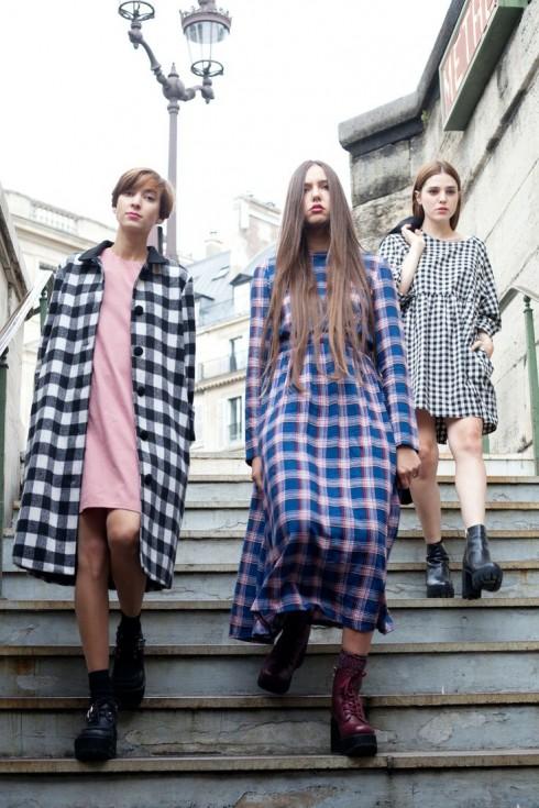 Họa tiết kẻ ô là một trong những yếu tố mấu chốt của văn hóa thời trang của giới trẻ.