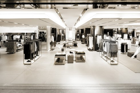 """Những thương hiệu thời trang """"fast fashion"""" đang vô tình tạo thêm áp lực và thúc đẩy guồng máy thời trang hoạt động nhanh hơn."""