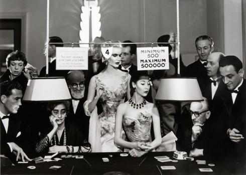 Sunny Harnett và Allamặc đầm dạ tiệc của Balmain - Nhiếp ảnh gia Richard Avedon (08/1954)