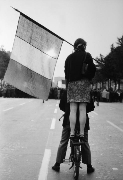Champs Elysees - Nhiếp ảnh gia Henri Cartier-Bresson (1968)