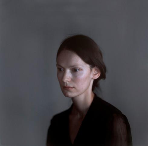 Olga - Nhiếp ảnh gia Richard Learoyd (2011)