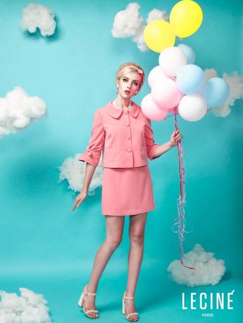 Tinh thần của thời trang bất diệt thập niên 1960 được thể hiện qua gam màu pastel chủ đạo