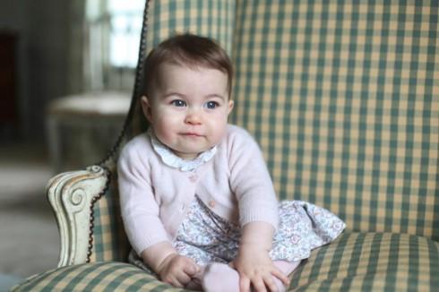 Hình ảnh của công chúa Charlotte được chụp bởi công nương Kate Williams tại ngôi nhà của họ ở Norfolk, Anh