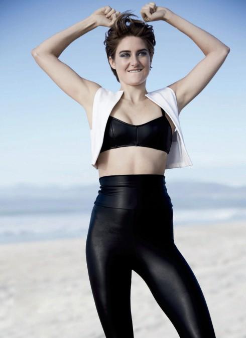 Shailene Woodley là một cô nàng cá tính theo phong cách Hippie có chút lập dị.