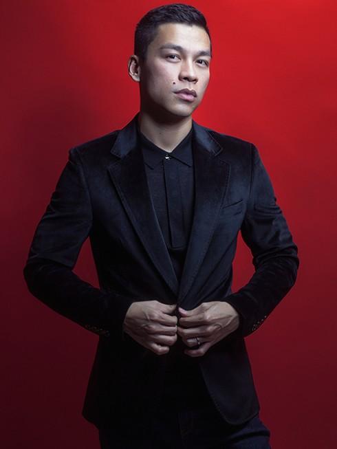 Nhà thiết kế Adrian Anh Tuấn