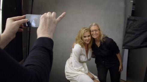 Amy Schumer và nhiếp ảnh gia Annie Leibovitz