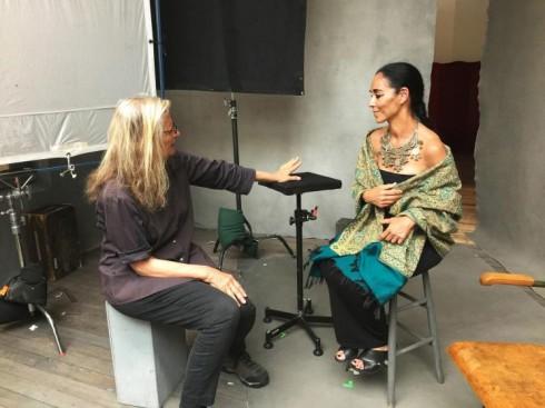Shirin Neshat và nhiếp ảnh gia Annie Leibovitz