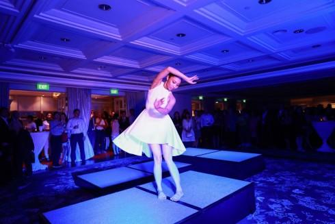 Hai nghệ sỹ trẻ tài năng đã dành riêng màn biểu diễn của mình cho đêm tiệc mừng sinh nhật 10 năm của khách sạn Park Hyatt Saigon.