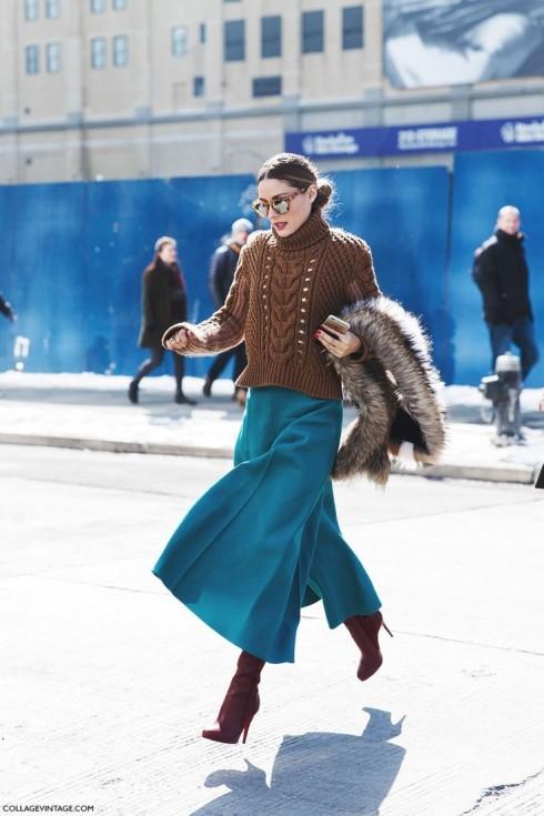 Các tín đồ thời trang thế giới luôn áp dụng phong cách phối layer và những phom dáng mới mẻ đối với áo len.