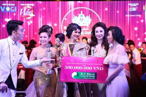 Giây phút hạnh phúc ngọt ngào của Nữ hoàng Quyền Năng Phái Đẹp 2015 Bùi Thị Thanh Nhàn