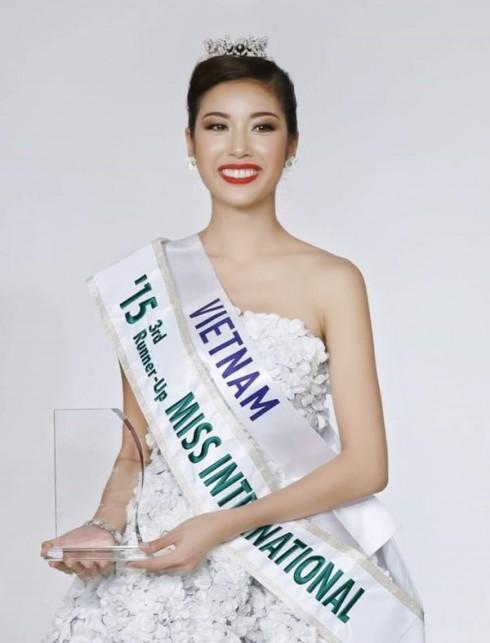 Á hậu 3 cuộc thi Hoa Hậu Quốc Tế 2015 - Phạm Hồng Thúy Vân