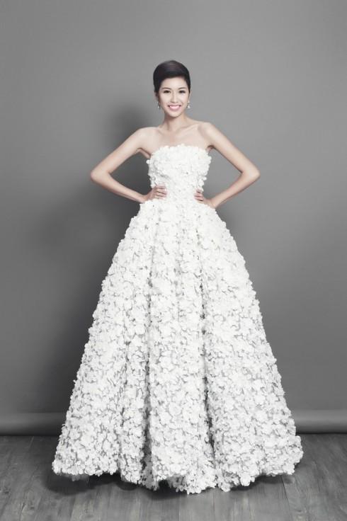 Chiếc váy dạ hội lấy cảm hứng từ hoa anh đào