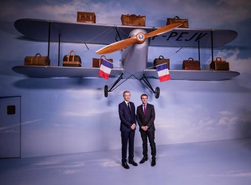 Bernard Arnault và Bộ trưởng Pháp Emmanuel Macron