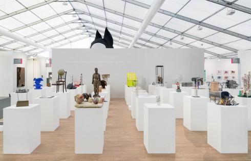 Booth của Hauser & Wirth - Hình ảnh: Alex Delfanne