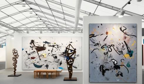 Booth của phòng triển lãm hàng đầu Anh quốc Victoria Miro - Hình ảnh: Robert Glowacki