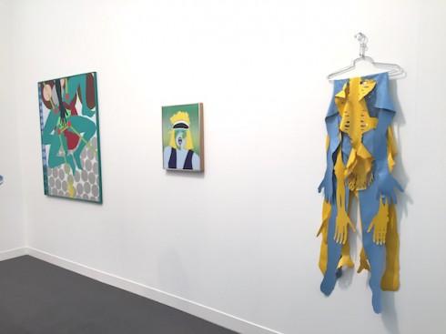 Các tác phẩm của Kiki Kogelnik tại booth của Simone Subal- Ảnh:  Lorena Muñoz-Alonso
